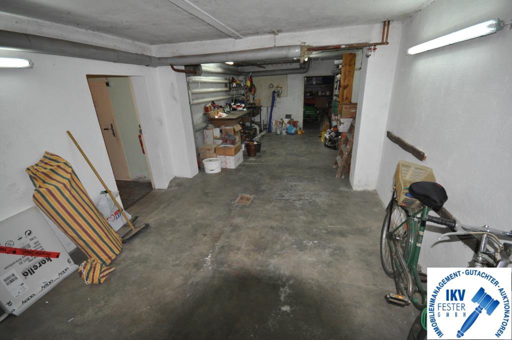 Garage im KG