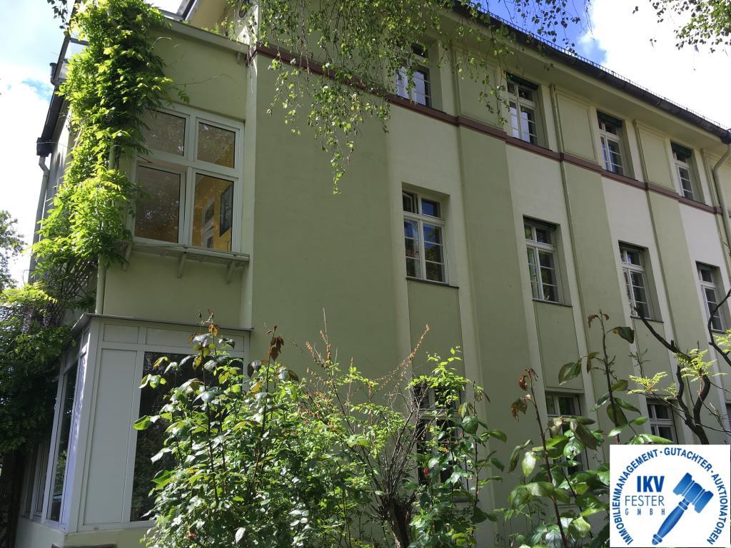 Wug Haus HH
